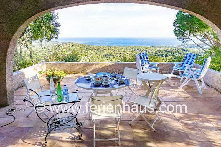 Überdachte Terrasse Freistehend freistehende villa mit panoramameerblick in la croix valmer