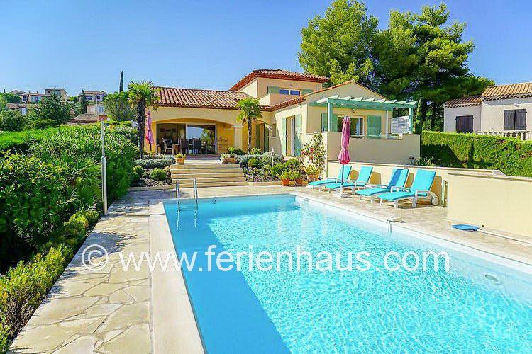 Ferienhaus Provence mit Pool, Meerblick, Hund erlaubt, für 6 Personen