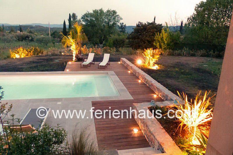 Pool mit Beleuchtung am Ferienhaus PRV113 in Lorgues