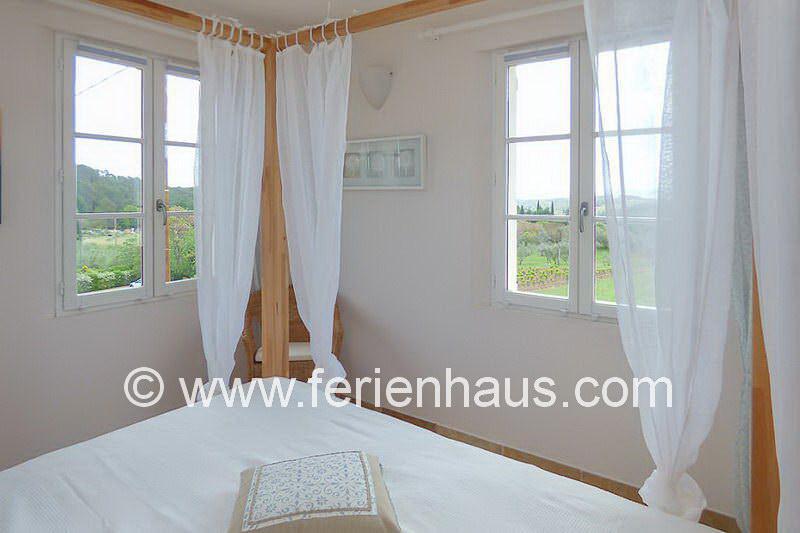 Schlafzimmer im Obergeschoss - Ferienhaus PRV113 Lorgues