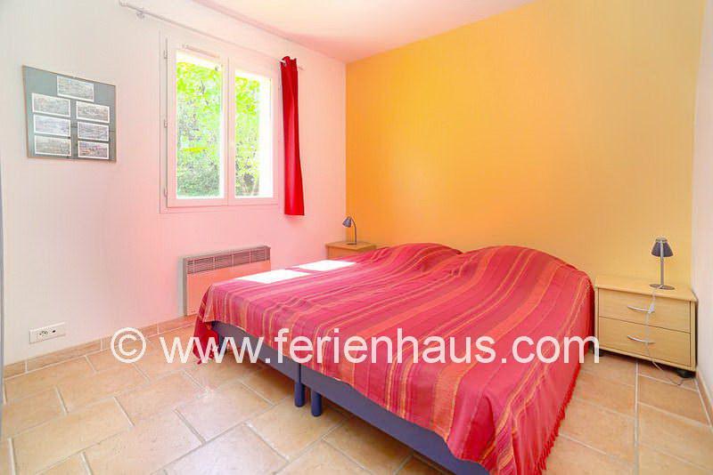 Schlafzimmer im Erdgeschoss - Ferienhaus COT145 in Seilans in der Provence