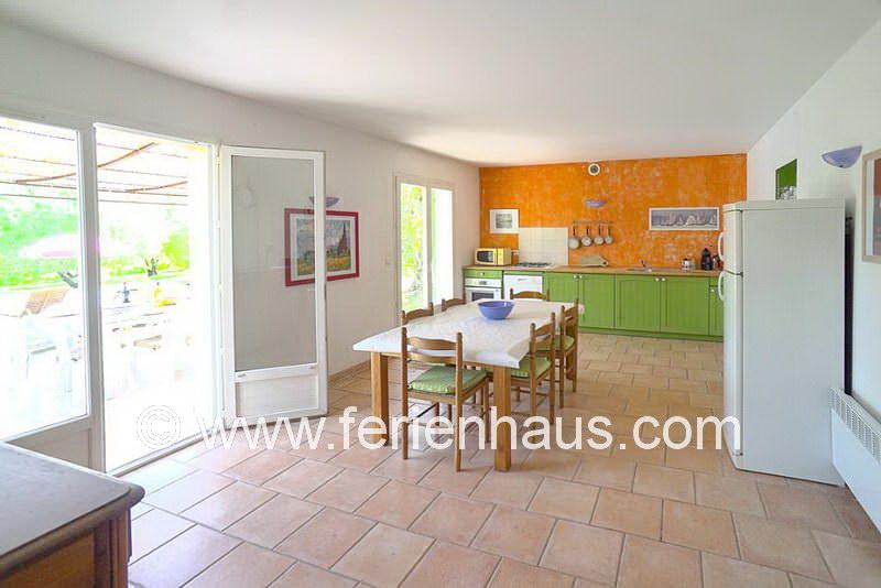 Helle Wohnküche - Ferienhaus COT145 in Seilans in der Provence