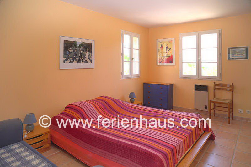 Schlafzimmer im Obergeschoss - Ferienhaus COT145 in Seilans in der Provence
