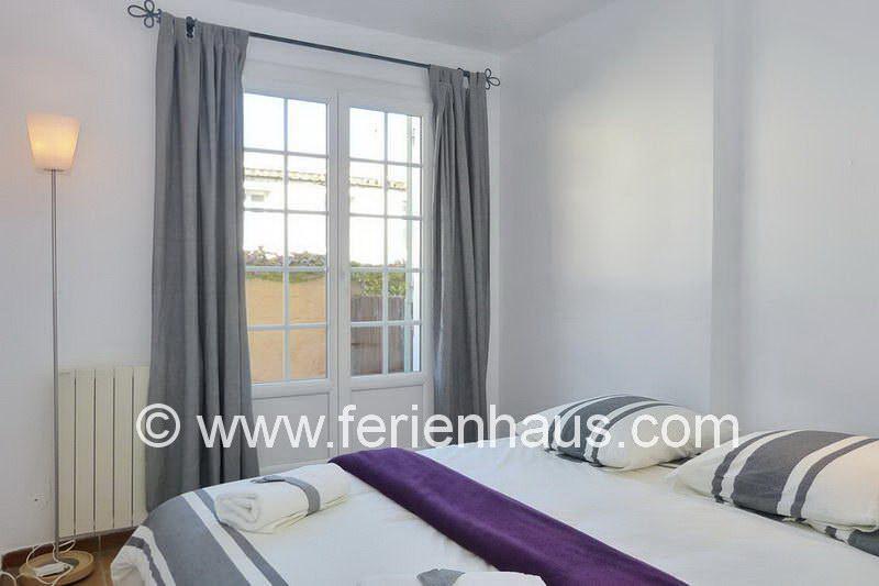 Separates Schlafzimmer in der Ferienwohnung in La Garde-Freinet