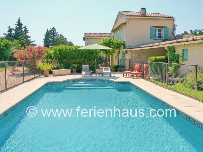 Ferienhaus Südfrankreich mit privatem Pool bei Carpentras in der Provence